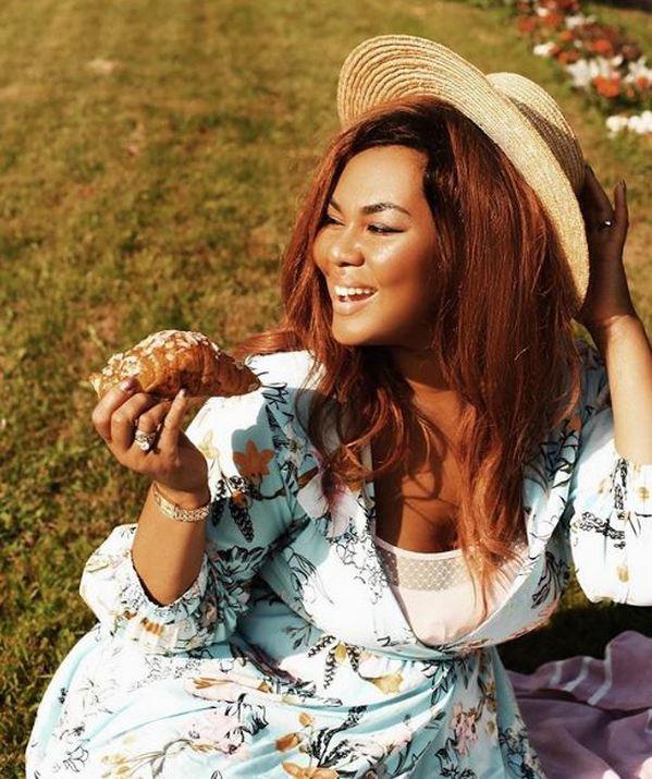 -Я начинаю жрать как саранча-: Корнелия Манго не может сбросить лишний вес