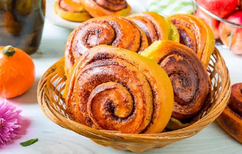 Тыквенные булочки с корицей: мягкие и невероятно ароматные