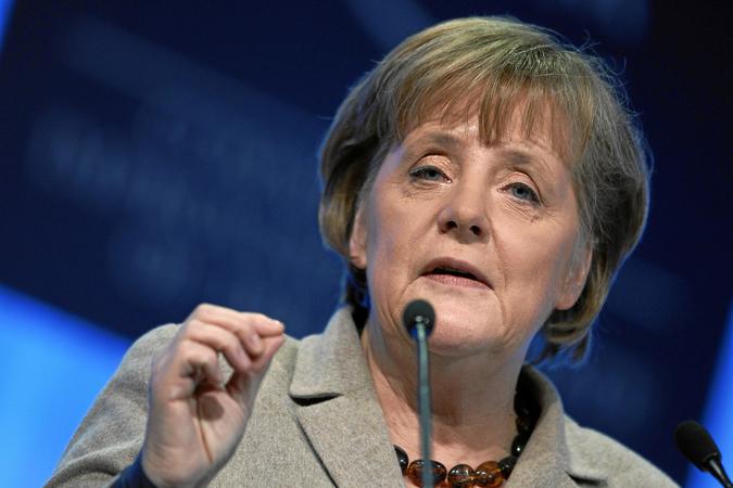 Меркель в ходе выступления случайно провозгласила антисемитизм долгом нации
