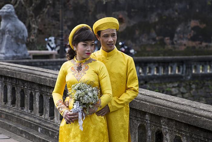 Беременная незамужняя девушка во Вьетнаме превращается в изгоя.