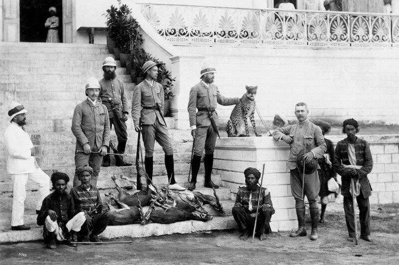 Князь Александр Михайлович и его спутники после охоты с гепардом, Индия, 1890 год. история, ретро, фото