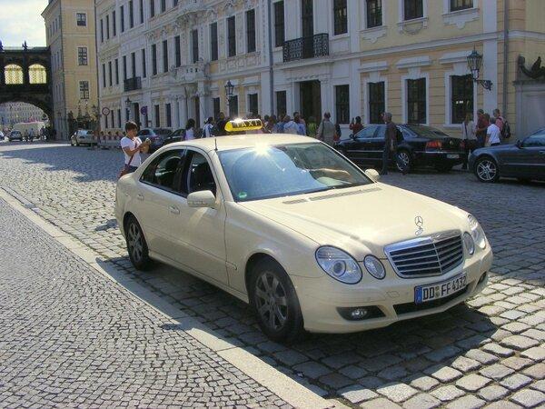 Русские таксисты за границей…