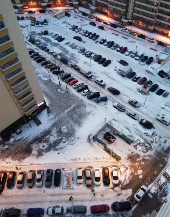 Как решить проблему с парковкой во дворе многоэтажки и экономить от 30 минут в день! веб-камера