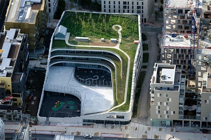 Начальная школа: «автономная» экосистема посреди урбанистического ландшафта