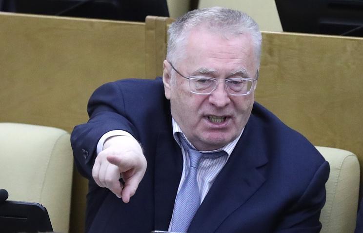 Жириновский пожаловался, что под депутатами Госдумы ломаются кресла