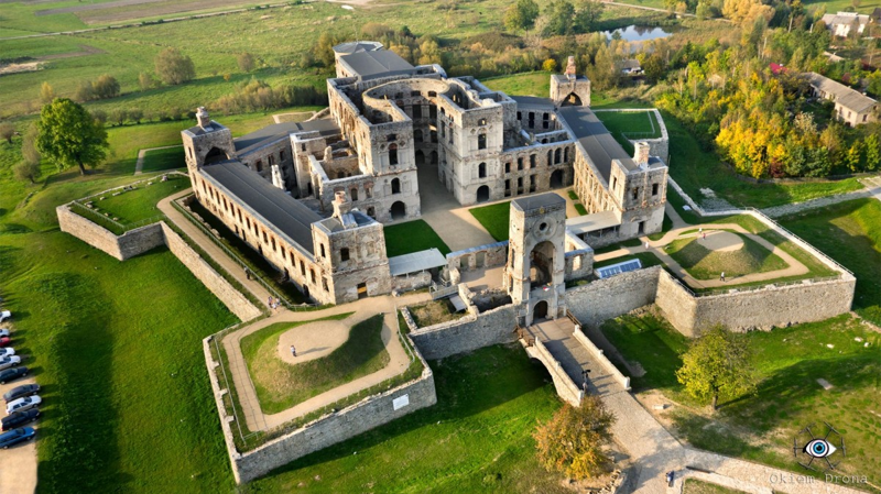 До 16 века такая форма замков не была популярной, но со временем люди осознали, что крепость в виде звезды позволяет сделать защиту надежнее. С этого времени в Европе стали появляться подобные «звездные» сооружения артиллерия, бастионы, звездчатые крепости, интересное, исторические факты, сооружения, фортификация