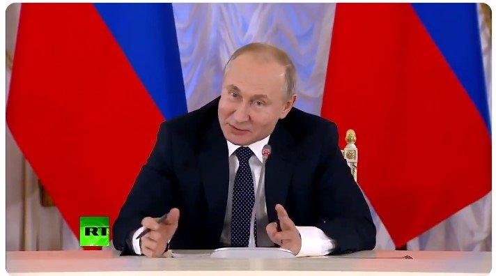 """″Революционное предложение"""": Путин отшутился Матвиенко на вопрос о нецензурной лексике"""