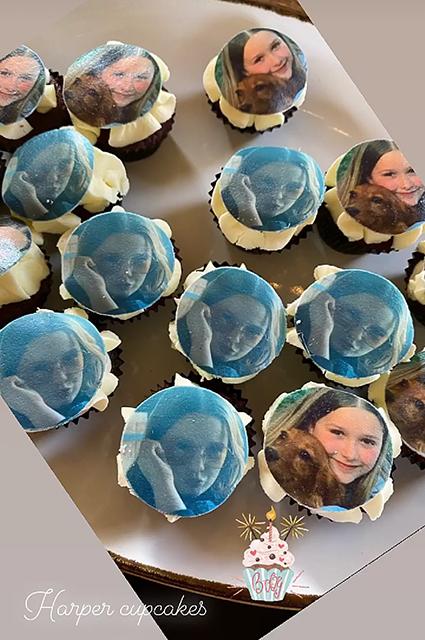 Пирожные, воспоминания и редкие кадры: Виктория и Дэвид Бекхэм поздравляют дочь Харпер с днем рождения Бекхэм, Харпер, Виктории, Ромео, Дэвида, инстаграма, рождения, Бруклин, Бекхэма, Виктория, приготовления, воздушные, пирожные, празднику, домашнему, Большая, фолловерам, своим, показала, видеороликhttpswwwinstagramcompCCdNAVaBdtFВидео
