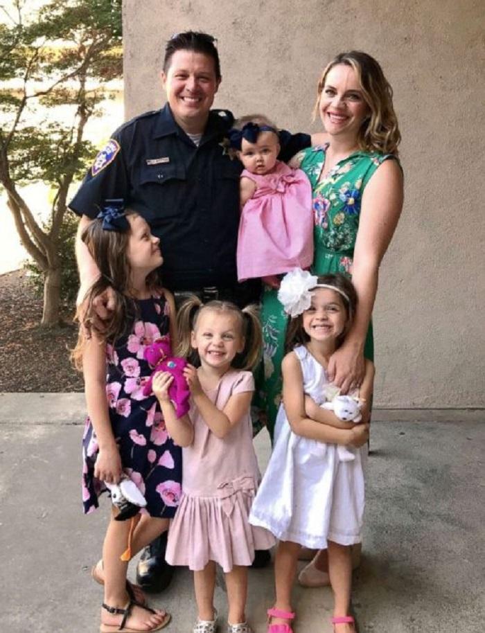 Полицейский помог бездомной беременной женщине. А через несколько месяцев его семья стала больше на одного человека