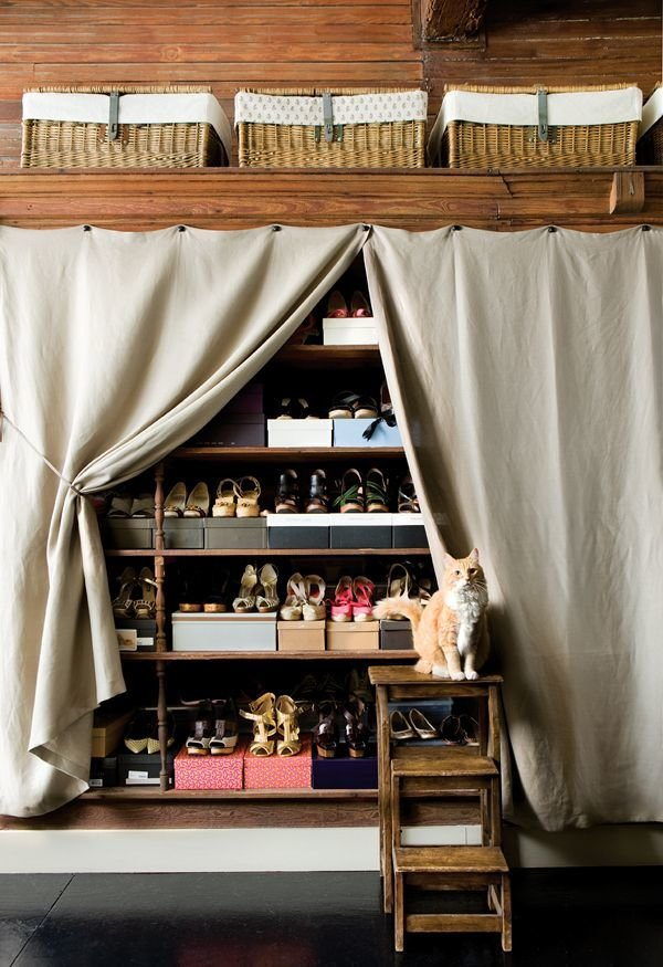 Фотография: Гардеробная в стиле Кантри, Прихожая, Советы, хранение обуви, идеи хранения обуви – фото на InMyRoom.ru