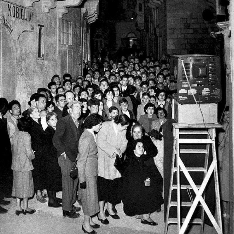 Первый телевизор на Мальте, 1958 год. история, ретро, фото