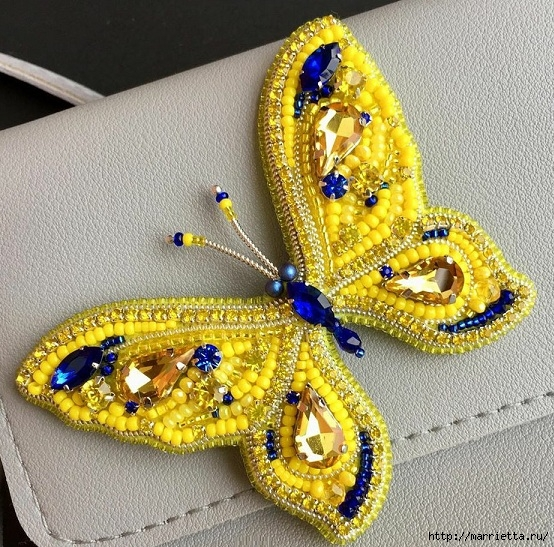 Брошь «Бабочка» в технике французская вышивка