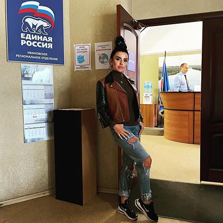 """В сети обсуждают ролик Юлии Волковой с ее предвыборной программой: """"Почему ролик записала она, а стыдно мне?"""" Новости"""
