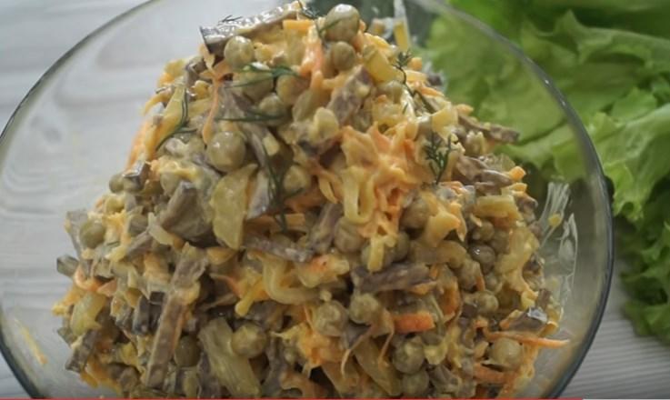 Печеночный салат - вкуснейший салат из печени