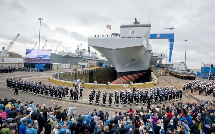 Британский авианосец Queen Elizabeth отправился в первое плавание