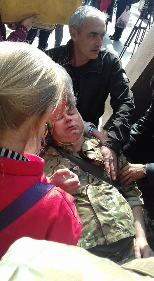 В Днепропетровске у памятника Славы избили 20 боевиков «АТО»