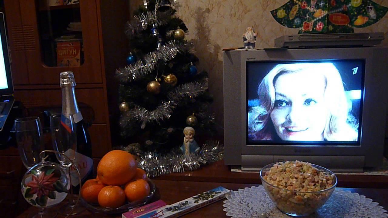 Лучше проспать Новый год, чем «Огонек» с Петросяном и Бузовой.. А как Вы?