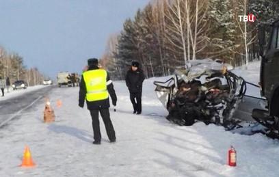 Восемь человек погибли в ДТП под Красноярском