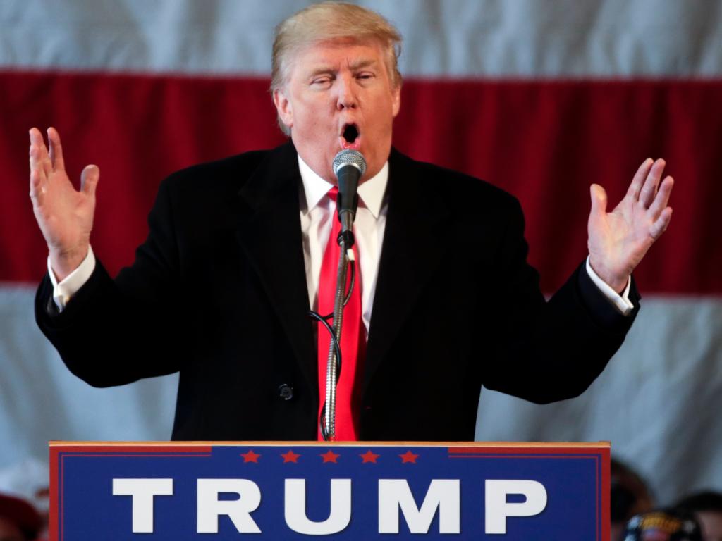 Алекс Джонс: ЦРУ запугивает Трампа компроматом, возможны покушения