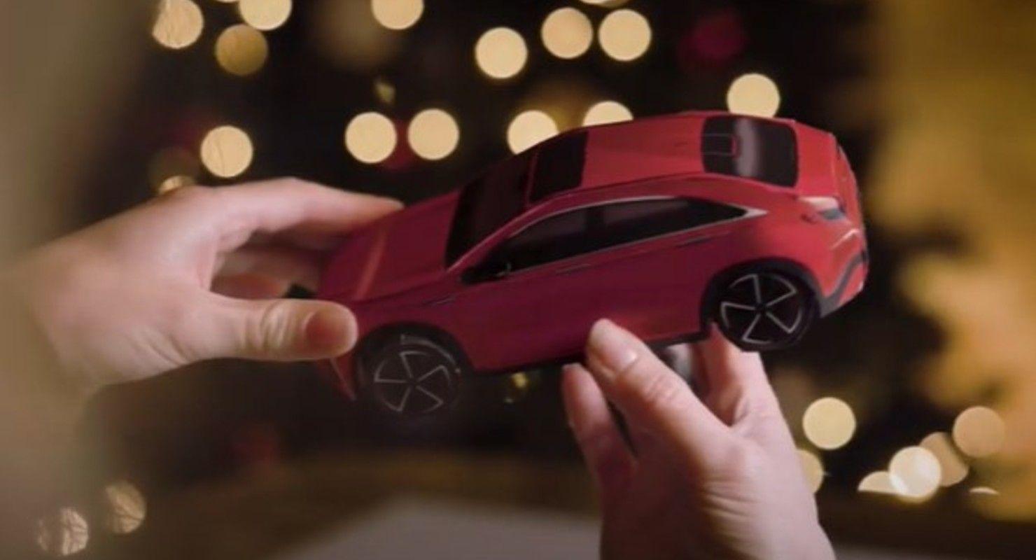 Новый кроссовер Infiniti QX55 теперь можно собрать из бумаги Автомобили