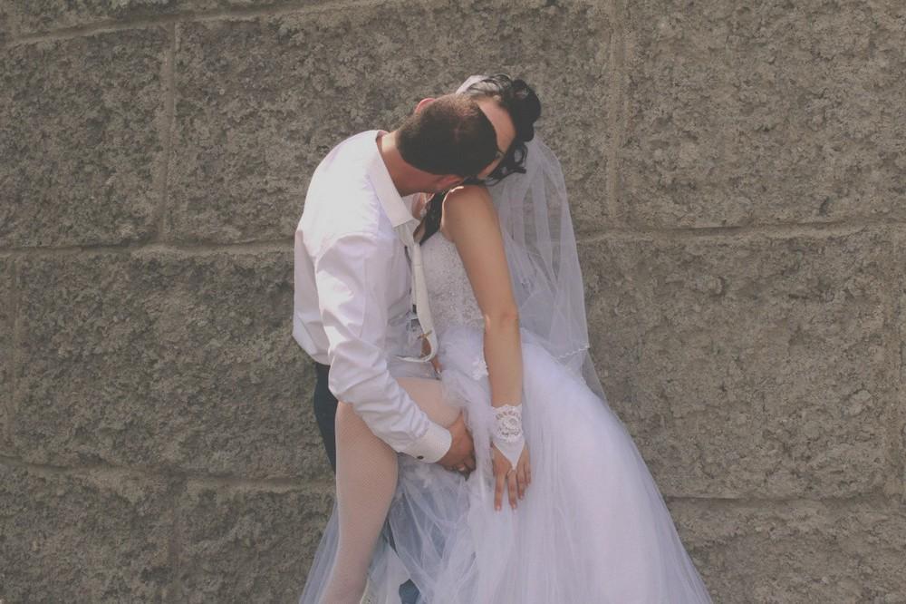 у фотографов удалились фото со свадьбы одним