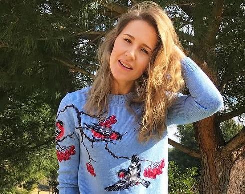 Юлия Ковальчук спасается от…