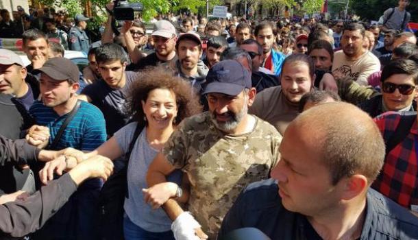 Протесты в Армении. Саргсян …
