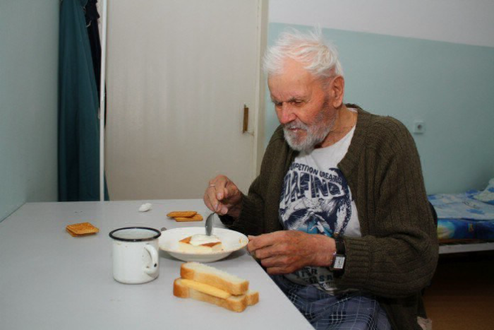 После смерти старика в доме …