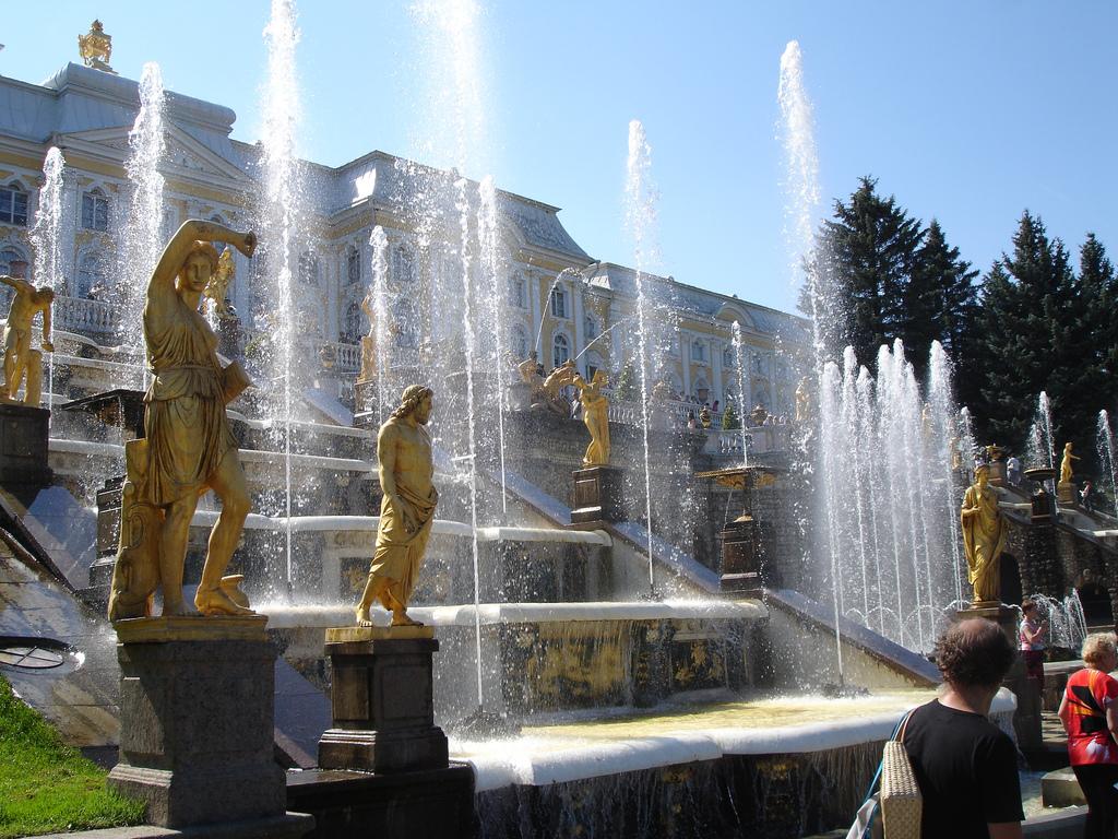Самые посещаемые музеи России