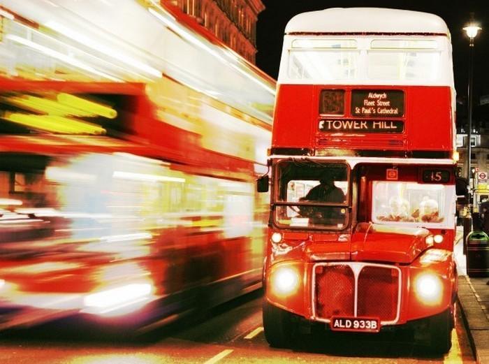 Автобус-призрак в Лондоне.