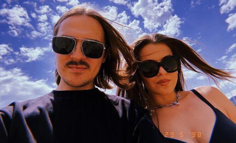 Солисты Little Big Илья Прусикин и Софья Таюрская опубликовали первое фото после подтверждения отношений Звезды,Звездные пары
