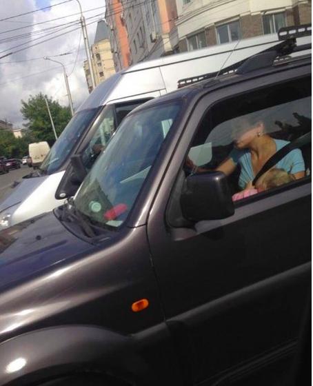 На что способна мамаша за рулем