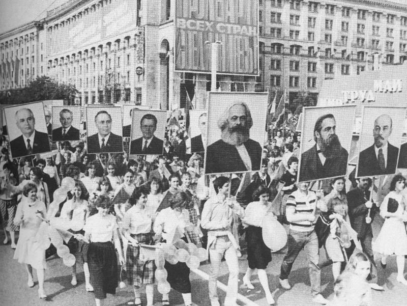 Демонстрация трудящихся в Киеве 1 мая 1986 года. После аварии на Чернобыльской АС прошло 5 дней. было, история, фото