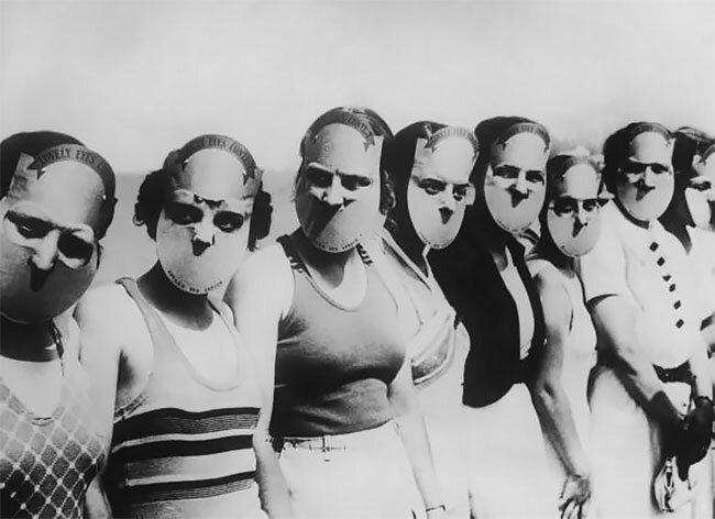 """12. Участницы конкурса красоты """"Мисс красивые глаза"""" во Флориде прячут лица за масками, чтобы судьи оценивали только глаза, 1930 год винтаж, интересно, исторические кадры, исторические фото, история, ретро фото, старые фото, фото"""