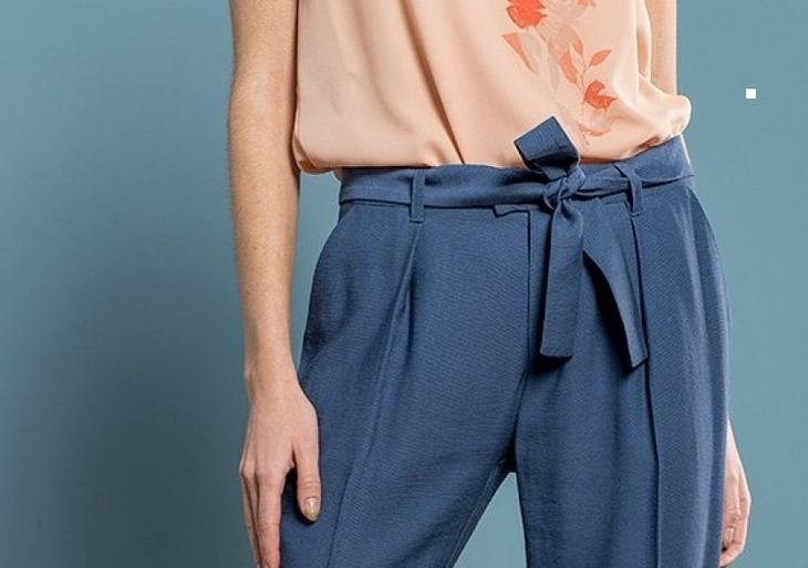 Фото готовых поясов на сшитых женских брюках, вариант 10