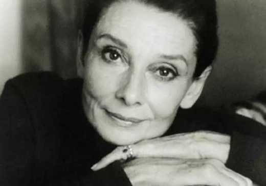 Повесть о женщине из другого времени: Бабушку Семена звали Лидия Львовна...