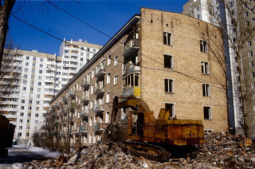 Жителям сносимых пятиэтажек в Москве предложат льготную ипотеку