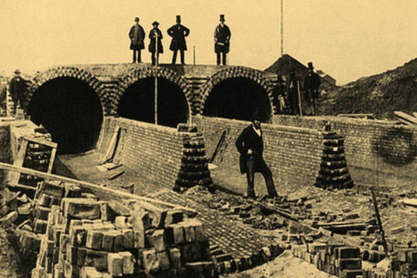 Весьма сложного инженерного сооружения по тем временам.