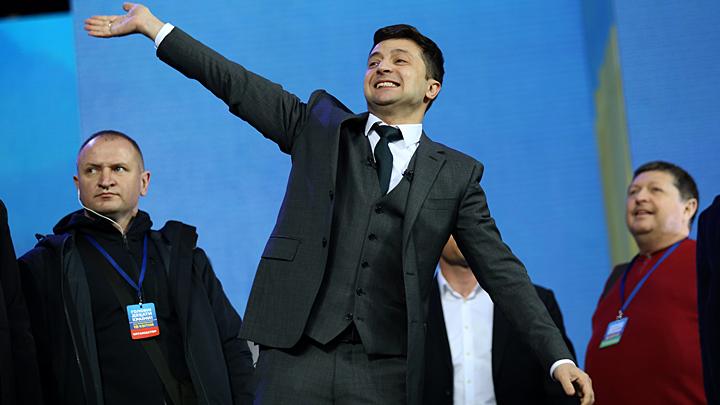 Новый поворот на Украине: Михеев уверен, что Зеленский помогает Порошенко Порошенко, Зеленский, Украины, Янукович, посадить, Тимошенко, статьи, самом, против, инкриминировать, начинает, которые, сейчас, такие, говорит, очень, потому, делать, статью, стороны