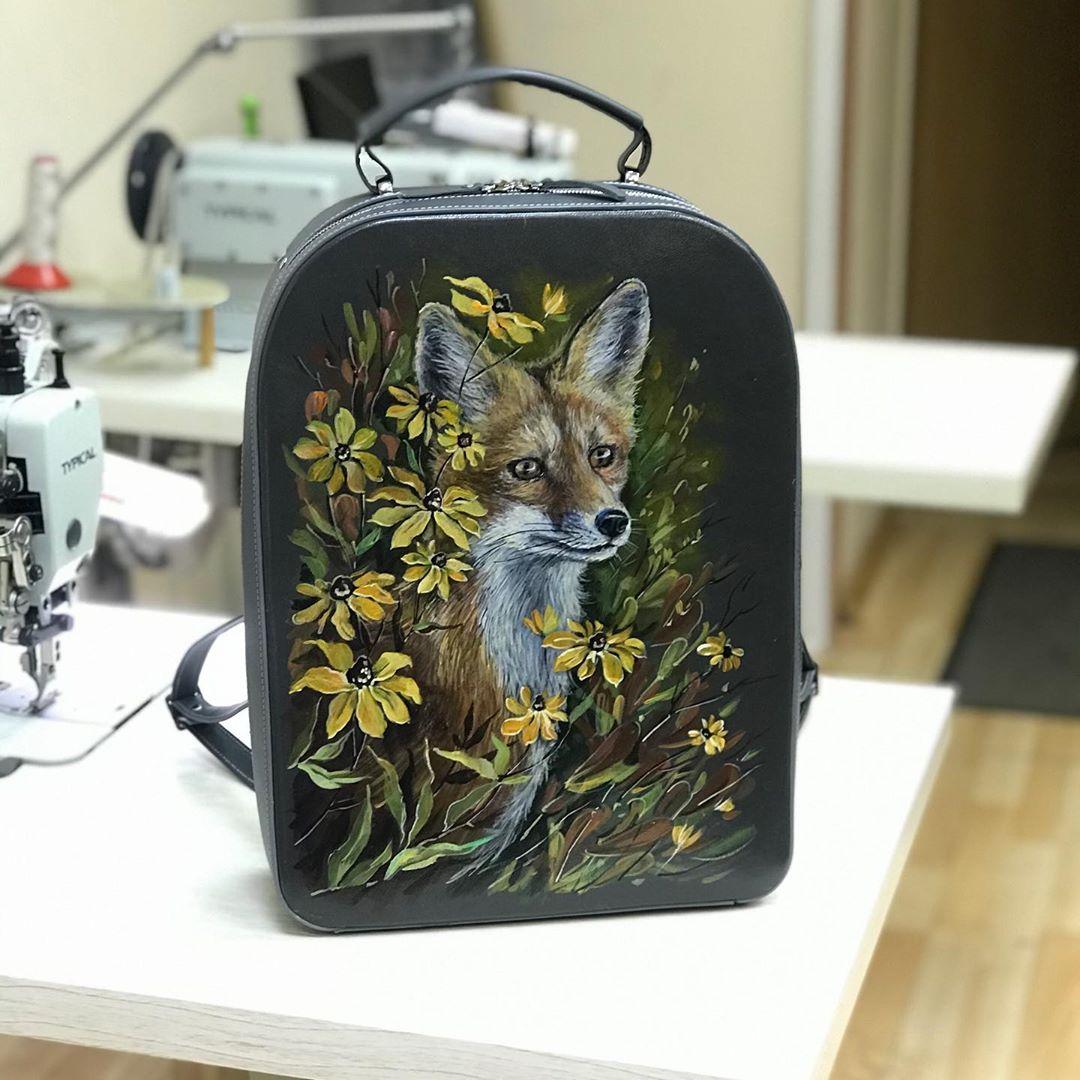 Роспись на сумочках. Модный тренд и красивый аксессуар ручной работы