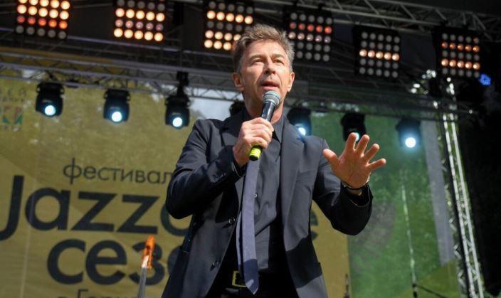 Сюткин рассказал, как артисты зарабатывают на онлайн-корпоративах Шоу бизнес