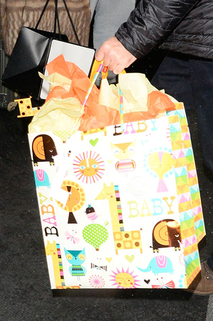 Амаль Клуни побывала на вечеринке Меган Маркл в честь скорого рождения ребенка Звездный стиль