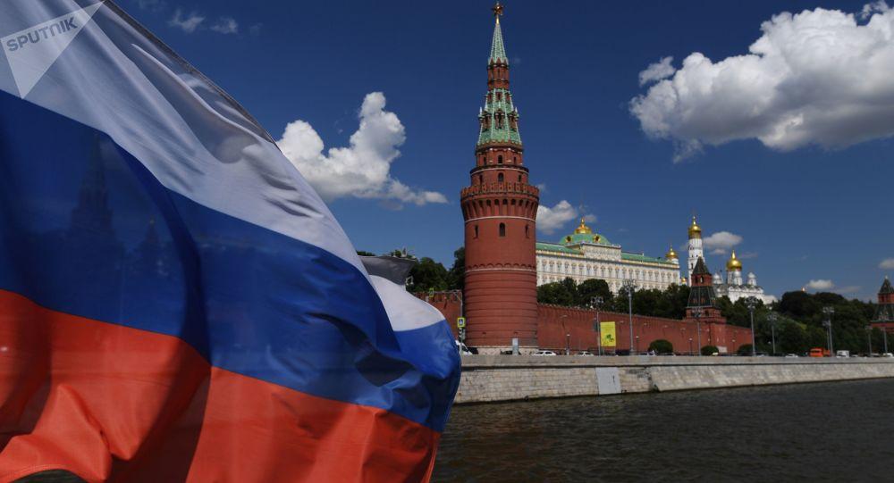 Хватит ныть, что Россия погибает, надо работать, чтобы жить в России стало лучше!