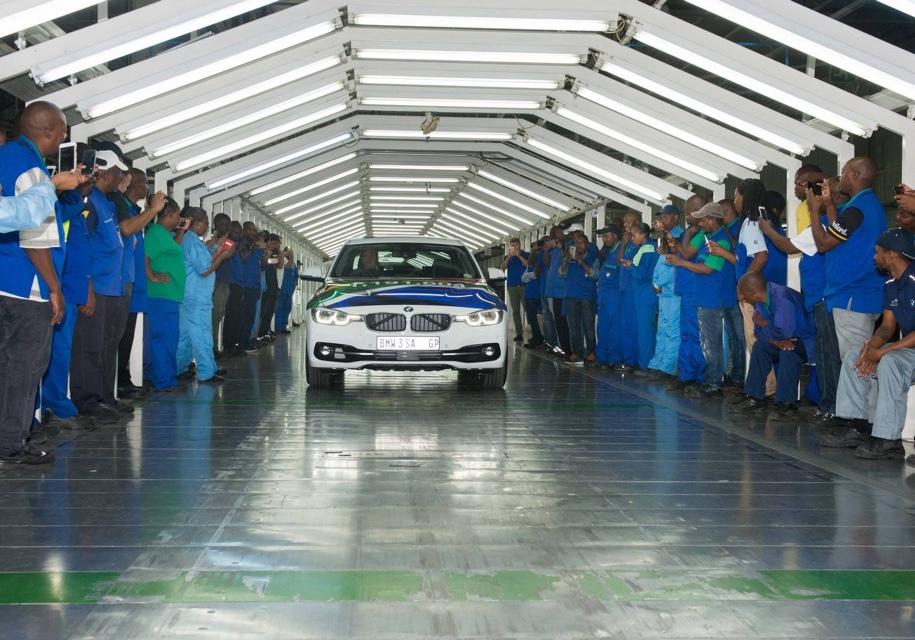 На заводе BMW в Южной Африке…