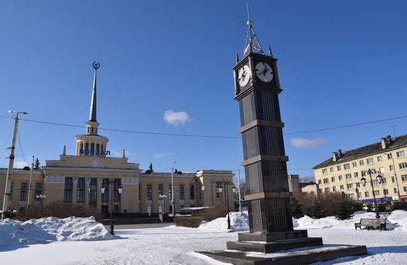 Ветераны требуют снести копию лондонской башни Биг-Бен в Петрозаводске