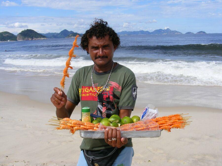 Способы «разводки» туристов на пляже, обычные и не очень