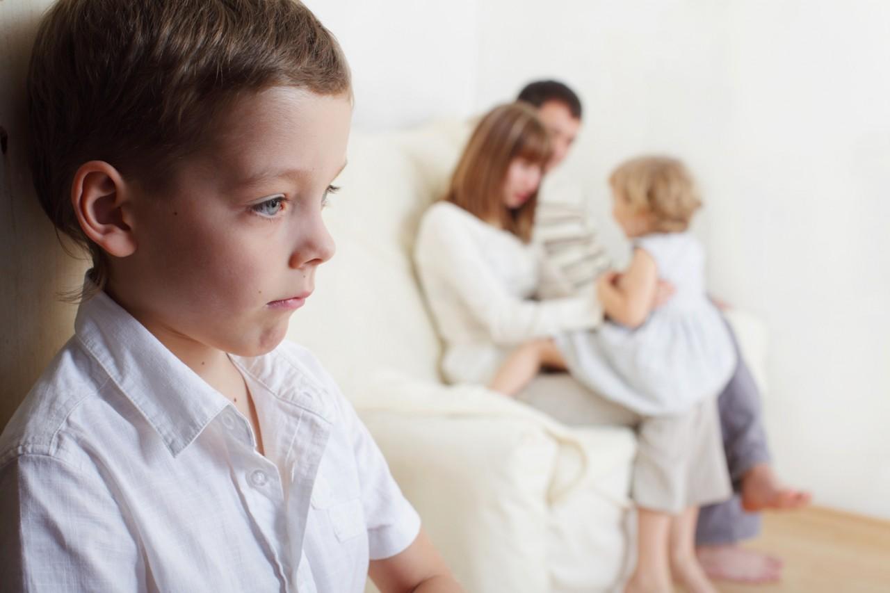Зависть и ревность ребенка: трагические традиции