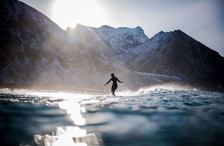 Арктический норвежский серфинг