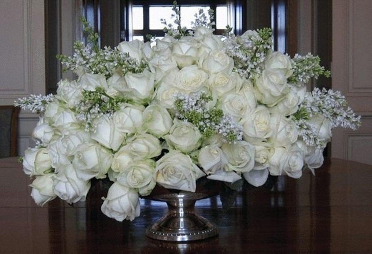 Игорю днюхой, открытки на день рождения с белыми розами