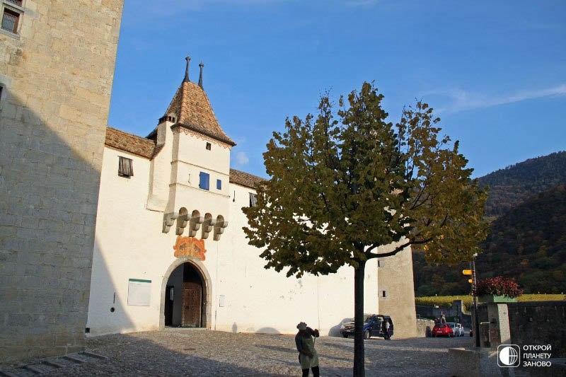 Замок Эгль